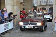 6Las pajes de Gaspar a bordo de un Mercedes-Benz SL